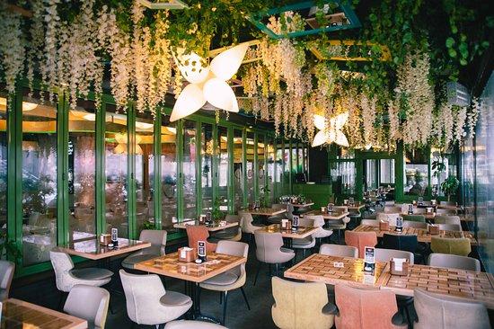 Tipos de Restaurantes: Cantina